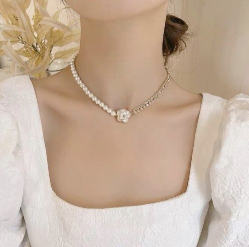 White Flower Short Pearl Necklace Korean Style Diamond-Studded Necklace Female Artistic Temperament Socialite Style Necklace