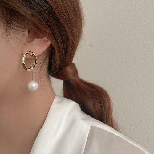 Sterling Silver Needle Stylish and Simple Personality Earrings Rhinestone Pearl Geometric Earrings Temperament Design Earrings