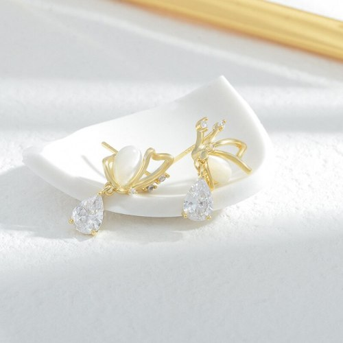 High-Grade Gold-Plated Opal Butterfly Wings Stud Earrings Women's Exquisite Three-Dimensional Super Fairy Simple Earrings