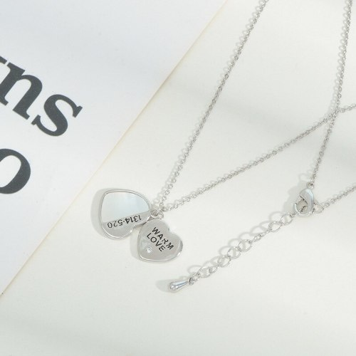 Women's Korean-Style Fashionable Peach Heart Letter Necklace Niche Design Clavicle Chain Natural Shell Necklace Jewelry