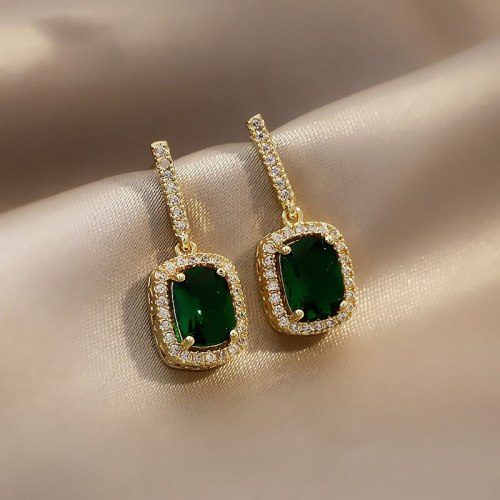 Small Emerald Earrings Female Online Influencer Elegant Earrings New Trendy Simple Vintage Earrings 925 Silver Needle