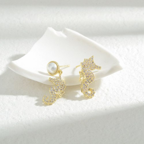 Wholesale Asymmetric Seahorse Stud Earrings for Women Sterling Silver Pin Post Zircon Ornament Jewelry Gift