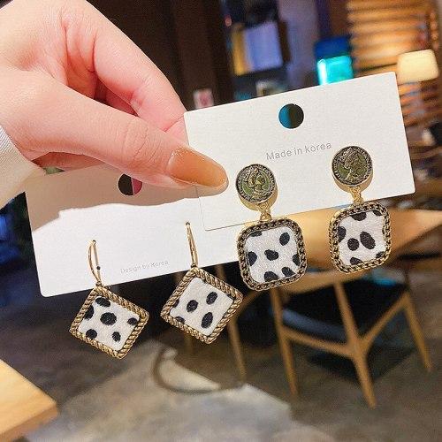 Wholesale New Studs Leopard Print Avatar Earrings Women Girl Lady Earrings Dropshipping Jewelry