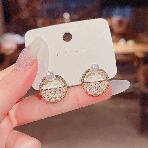 Wholesale Trendy Pearl Earrings for Women Sterling Silver Pin Fashion Earrings Dropshipping Jewelry