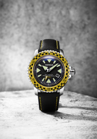 MERKUR SHARK MASTER Sapphire Vintage Racing Rally Yellow Red Bezel Sport Japan NH35 Automatic Diver's Men's Luxury 44MM Watch