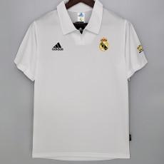 2002-2003 RMA Champions League Home Retro Soccer Jersey (袖子带字)