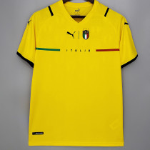 21-22 Italy Goalkeeper Yellow Fans Soccer Jersey