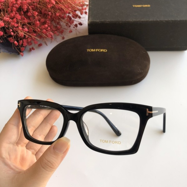 Wholesale Copy 2020 Spring New Arrivals for TOM FORD Eyeglasses TF5552 Online FTF309