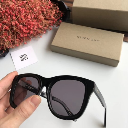 Wholesale Replica GIVENCHY Sunglasses GV7073S Online SGI008