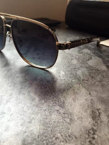 Cheap Replica Chorme Hearts Sunglasses Online SCE095