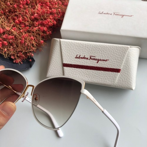 Wholesale Replica Ferragamo Sunglasses SF905S Online SFE015