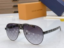 L^V Sunglasses Z2338B Monogram Glasses SLV295