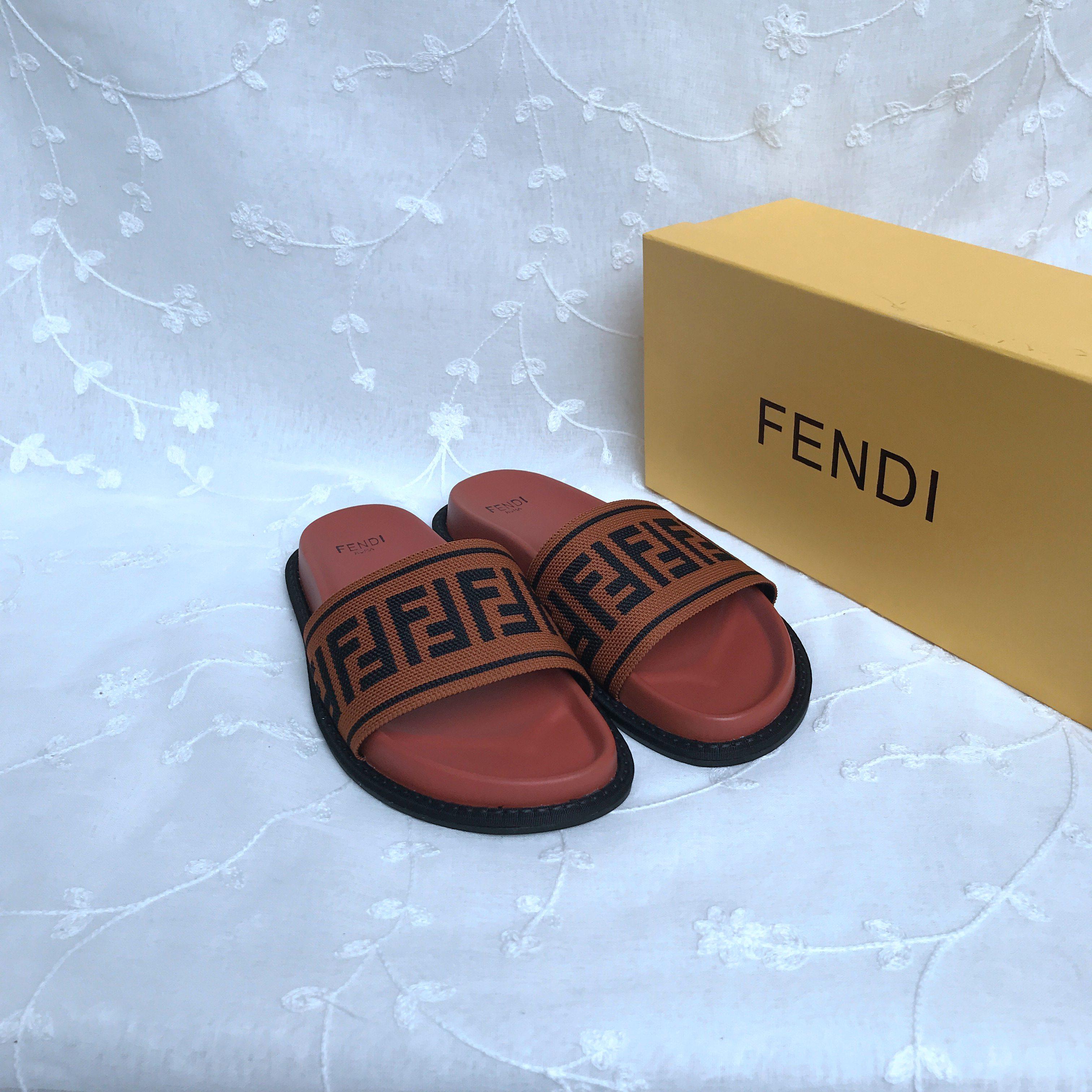 Fendi Slippers Shoes  428162