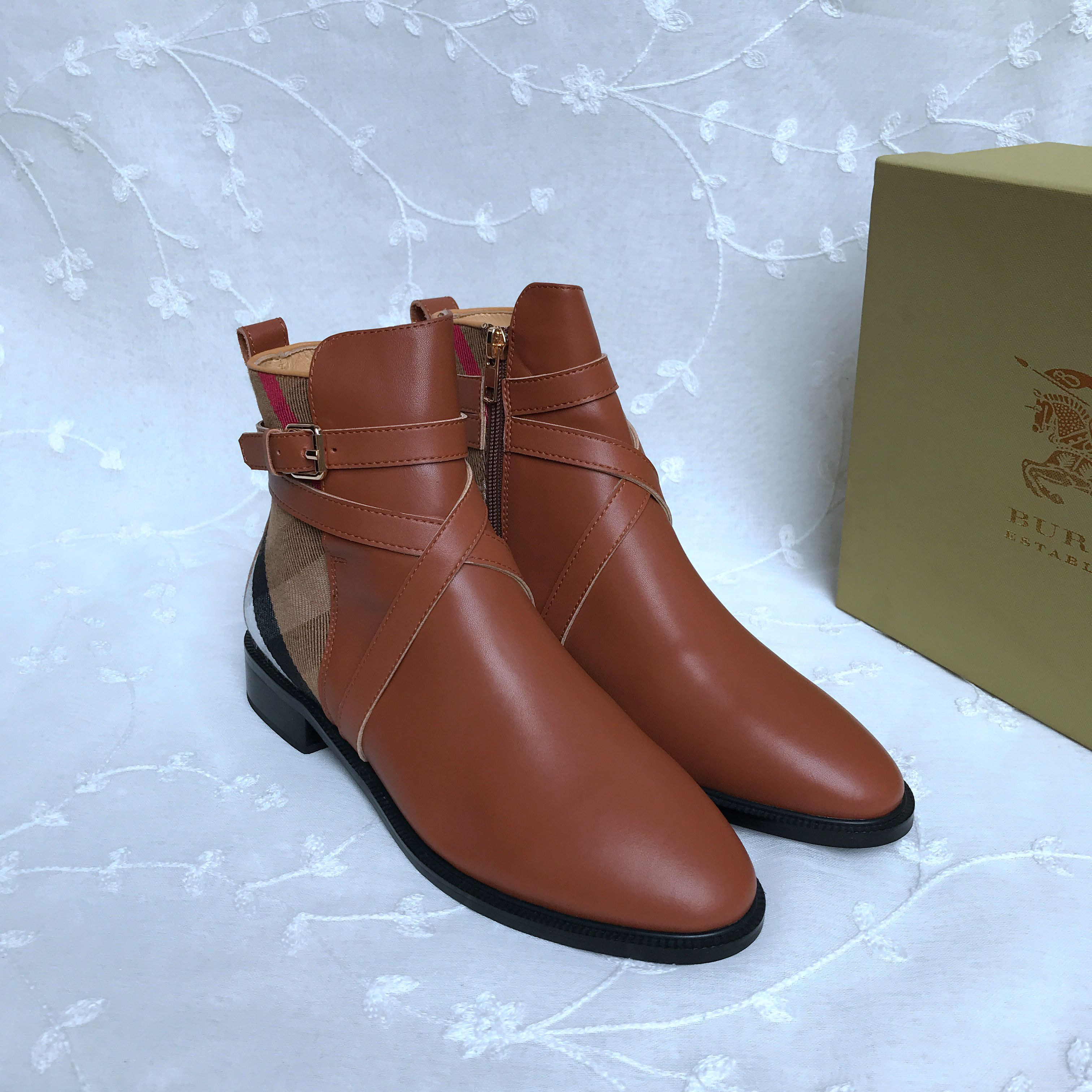 BURBERRY Boots 452007