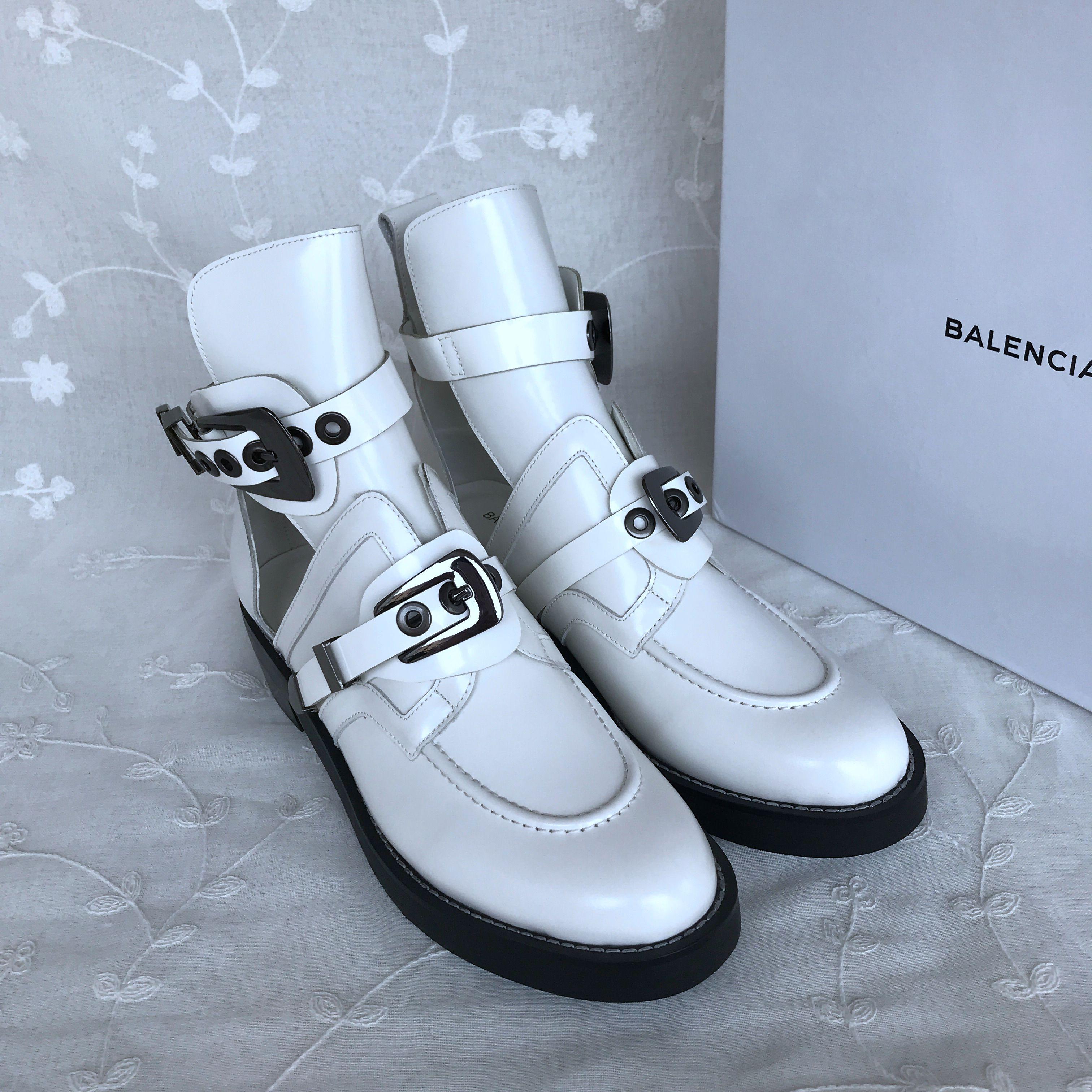 BALENCIAGA leather shoes 832967