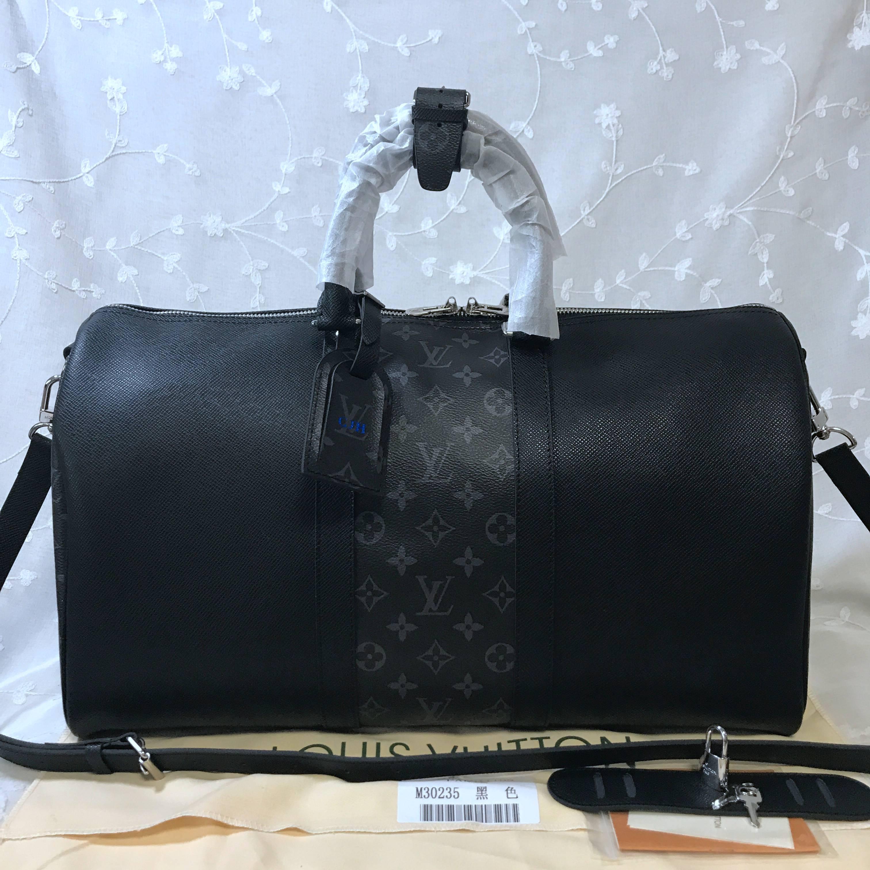 LV Travelbag  M30235
