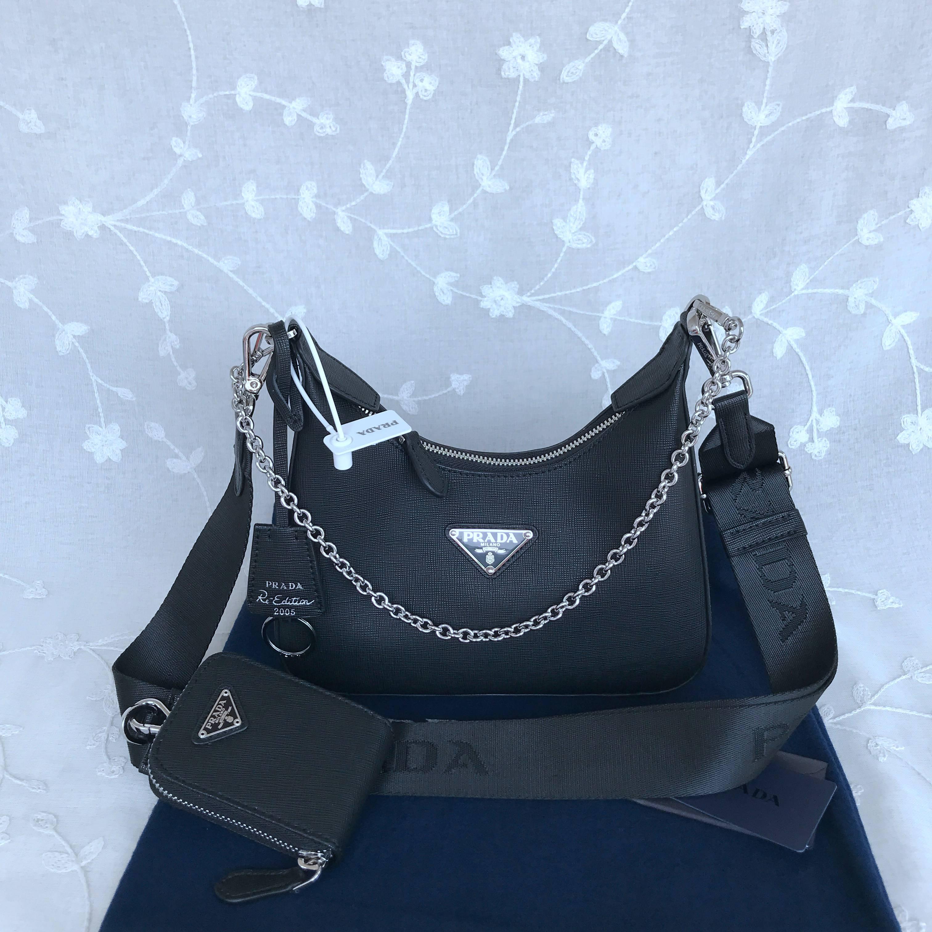 Prada Re-Edition 2005 Saffiano leather bag
