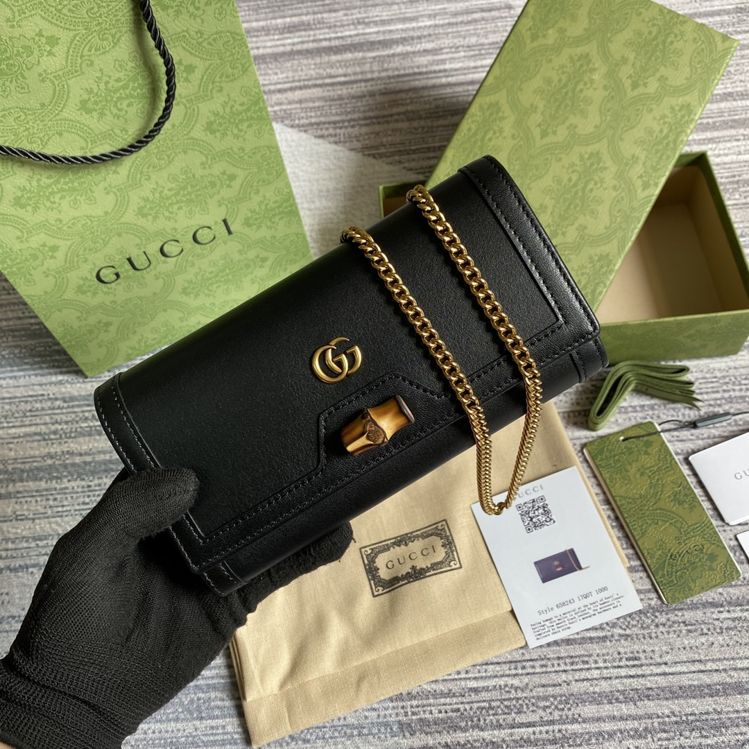 GUCCI Diana chain wallet with bamboo 658243