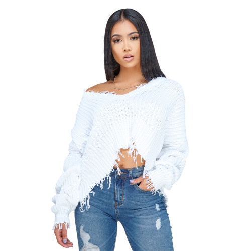 White Large V-neck knitted pullover