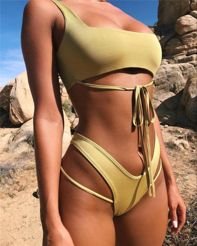 Yellow Solid color sexy bandage split swimsuit