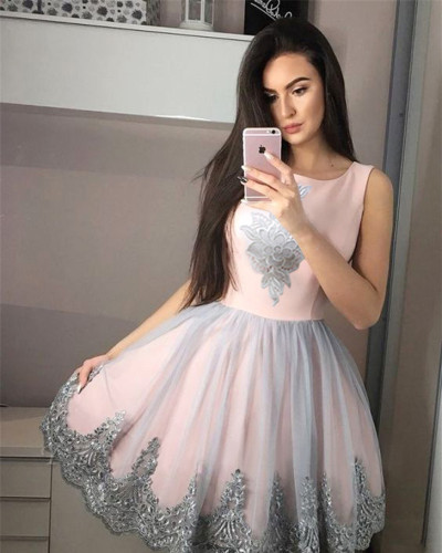 Round neck sleeveless appliqué dress