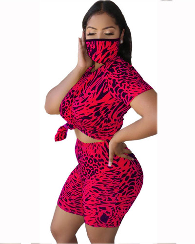 Red Leopard round neck casual fashion home sports shorts suit (including mask)