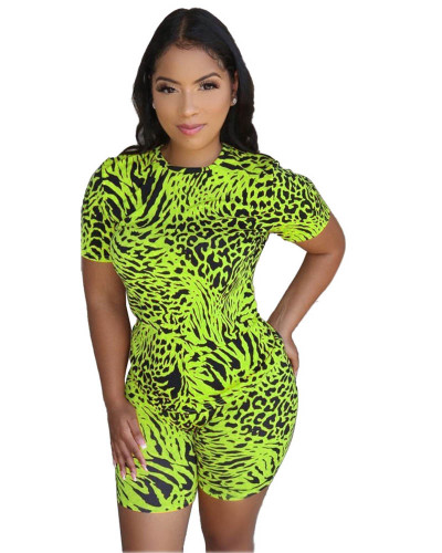 Green Leopard round neck casual fashion home sports shorts suit (including mask)