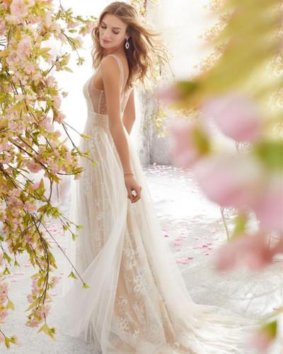 Sexy B-neck sleeveless lace wedding dress