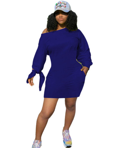 Blue Personalized solid color slanting sleeves knotted dress