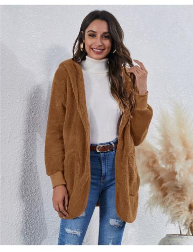 Brwon Wear an anti-fur coat on both sides