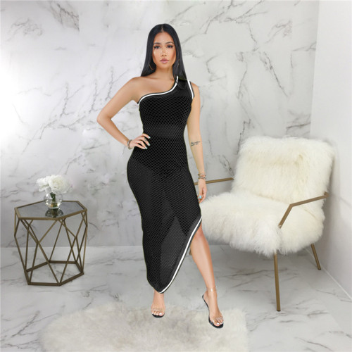 Black Sexy fashion hollow out blouse with buttocks and beach skirt