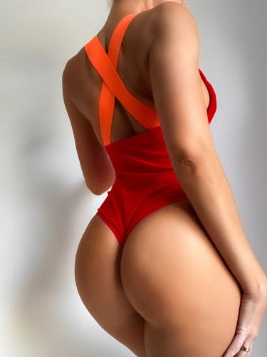 Rose red bikini with solid color strap one-piece swimsuit