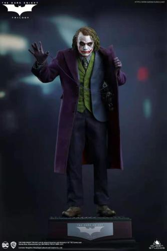 【Preorder】Queen Studio DC The Joker Resin Statue Copyright's Postcard