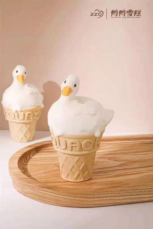 【Preorder】Zzo Studio Classic Original Duck Ice Cream Cone Resin Statue's Postcard