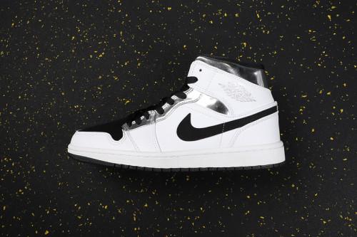 AJ 1 Mid Retro Classics Shoes 554724-121