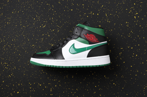 AJ 1 Mid Retro Classics Shoes 554724-067