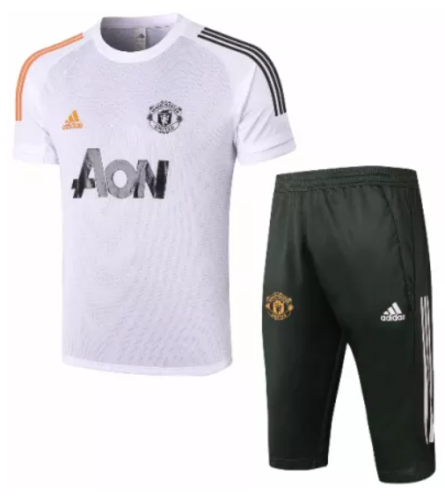20-21 Manchester United training jersey and shorts kit