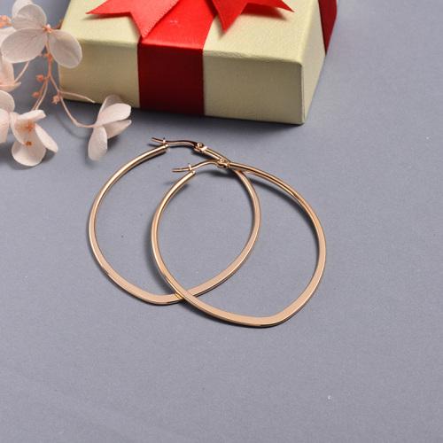 مجوهرات مطلية بالذهب الوردي Siemple Design أقراط دائرية بيضاوية من الفولاذ المقاوم للصدأ 66 * 50 مللي متر