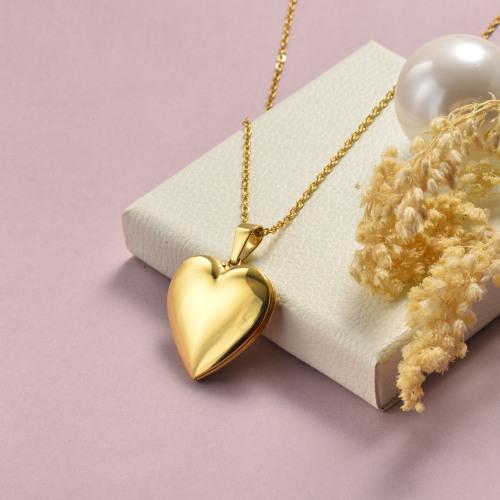 Collar de oro de estilo sencillo en forma de corazón