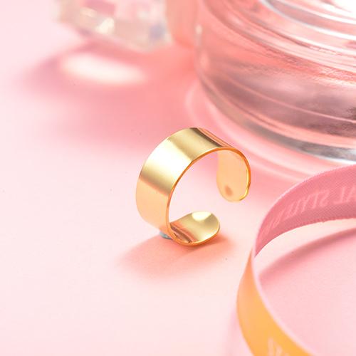 Anillos de compromiso simples chapados en oro de acero inoxidable al por mayor