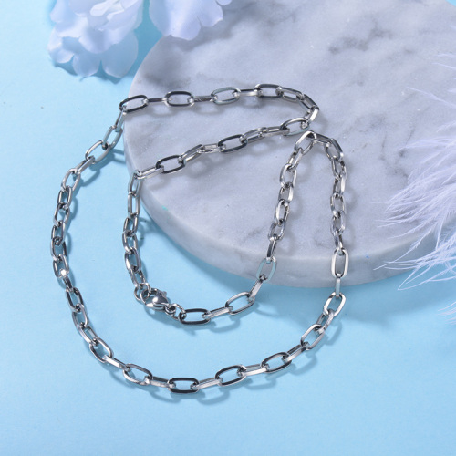 silver chain  necklace Simple and stylish  for women for men