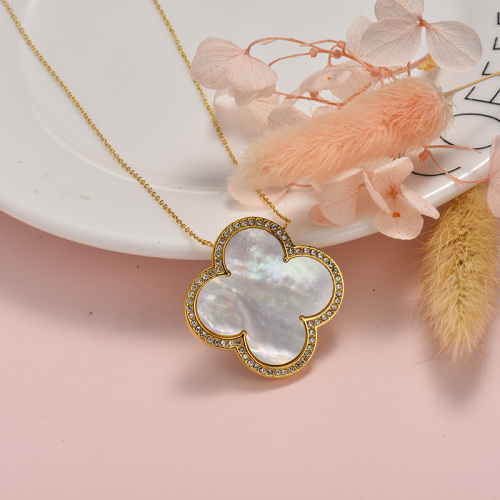 Fashion style white black four-leaf clover gold necklace