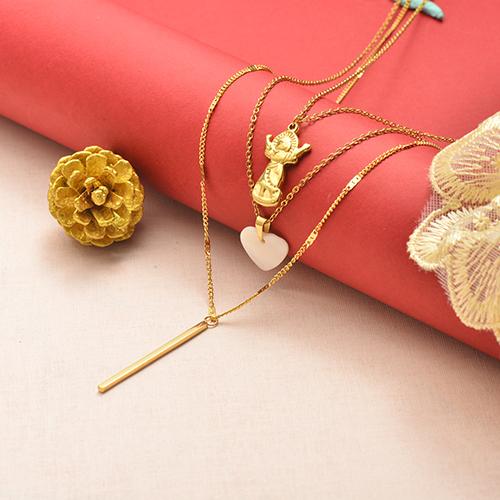 Collar de oro multicapa estilo Notre Dame de moda