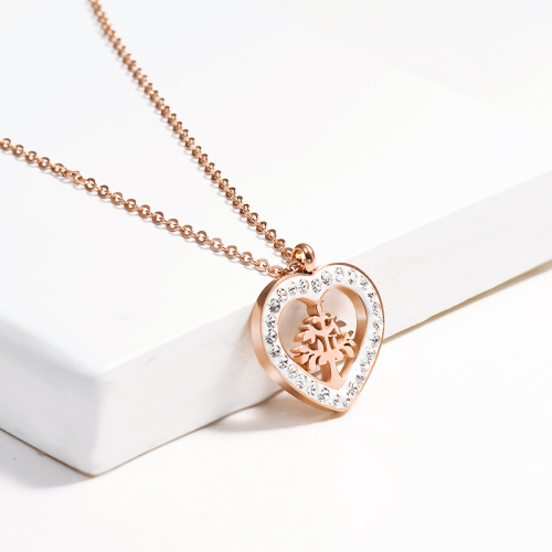 Clay diamond heart-shaped rose gold necklace
