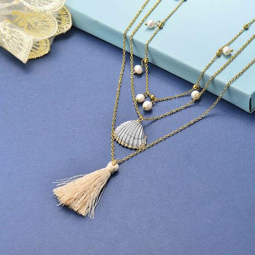 Collar de oro con capas de viento de playa de concha de plata blanca