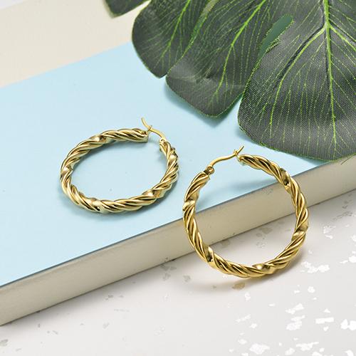 مجوهرات مطلية بالذهب بتصميم دائري أقراط من الفولاذ المقاوم للصدأ
