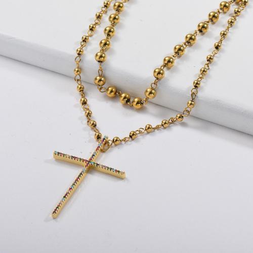 Pendentif croix en zircon coloré avec collier de couches à maillons en or perlé