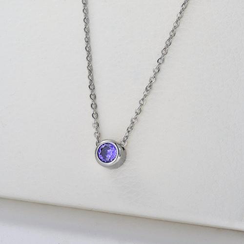 Collar con dije de circonita púrpura de plata de lujo para mujer