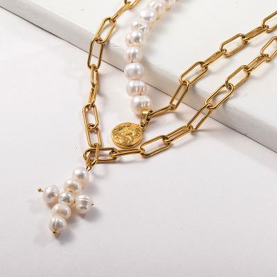 Collar de cadena de eslabones ovalados con cuentas de perlas de agua dulce con colgante religioso dorado de acero inoxidable