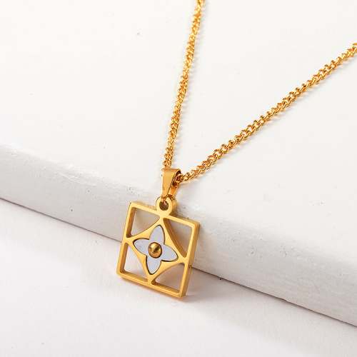 Famous Brand Gold Clover With Shell Pendant Necklace For Women
